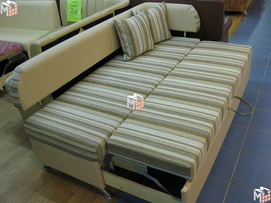 Кухонный прямой диван для маленькой кухни: особенности угловых моделей. как выбрать диван для малогабаритной кухни?