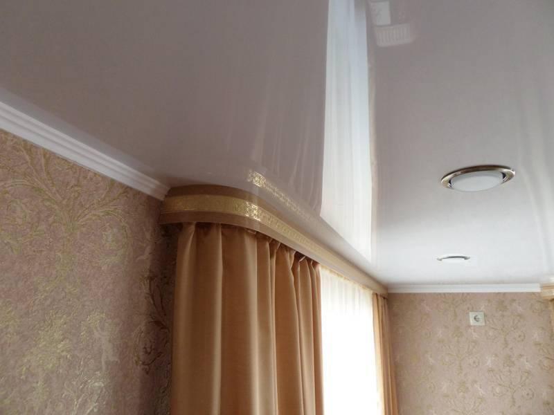 Как выбрать гардины для штор под натяжной потолок? - строй-шпаргалка