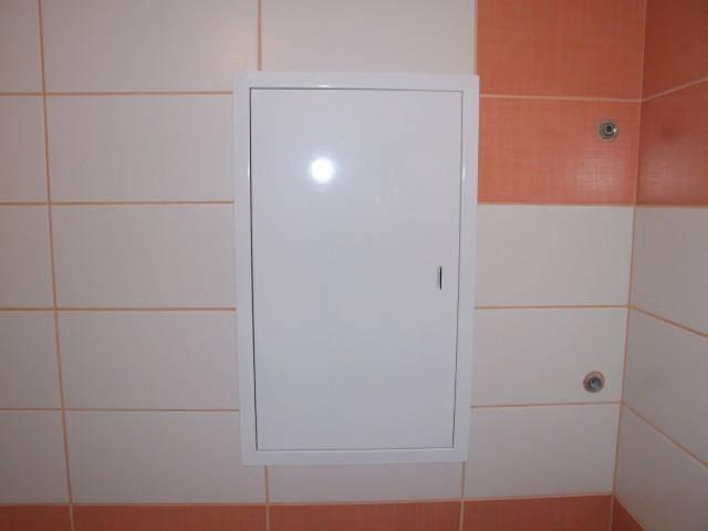Какие бывают люки для ванной под отделку плиткой