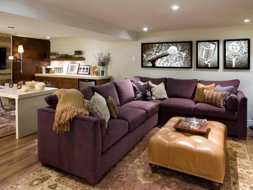 Фиолетовые диваны: виды и выбор в интерьер