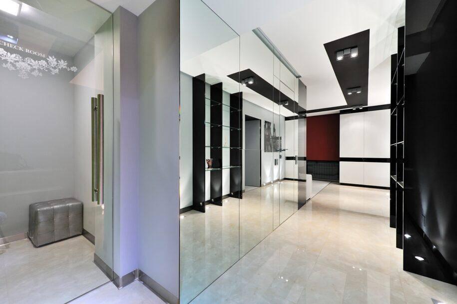 Стиль хай-тек в интерьере: дизайн кухни, выбор стульев, обеденной группы и новинки hi-tech в интерьере гостиной, коридора