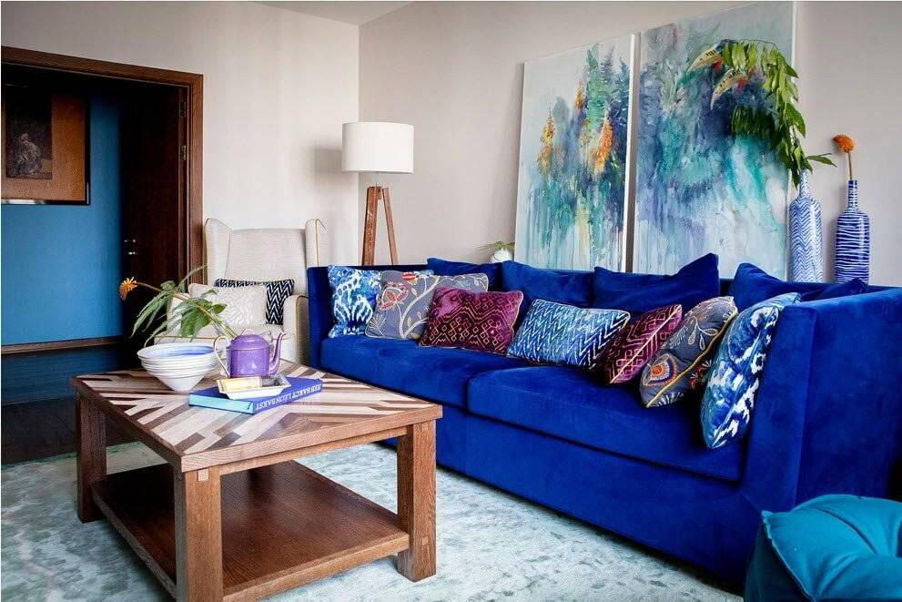 Желтый диван в оформлении комнат разных стилей, лучшие комбинации