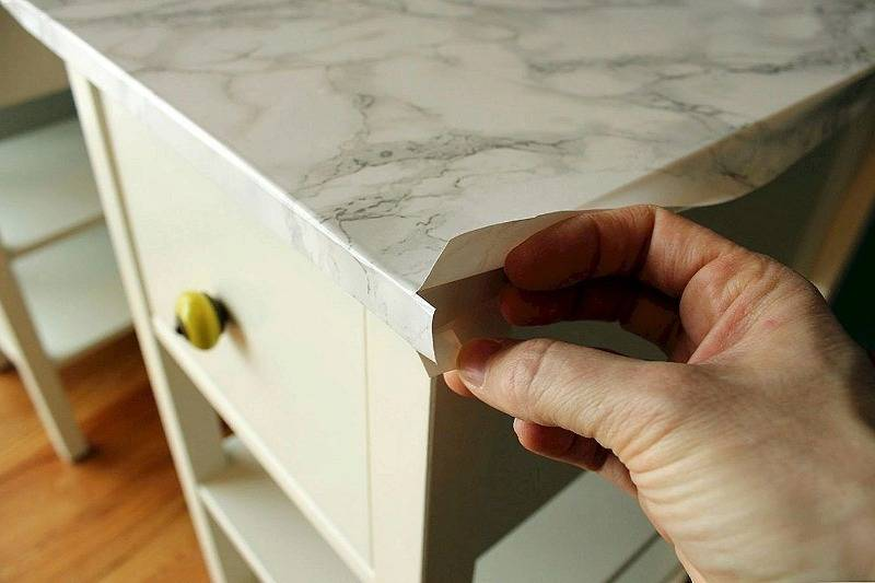 Как обклеить шкаф самоклеющейся пленкой