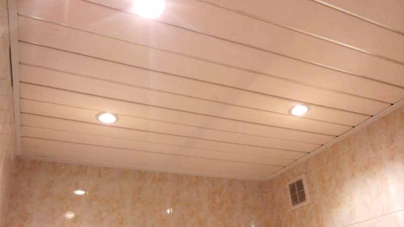 Потолок пвх в ванной - лучшие идеи монтажа и варианты современного дизайна (видео и 105 фото)