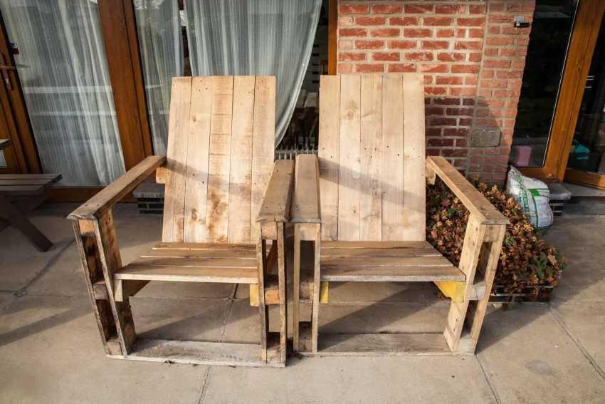 Кресло из дерева своими руками: ход работы включает доработку схемы в чертеж с размерами, изготовление красивых деревянных подлокотников, чтобы сделать шедевр