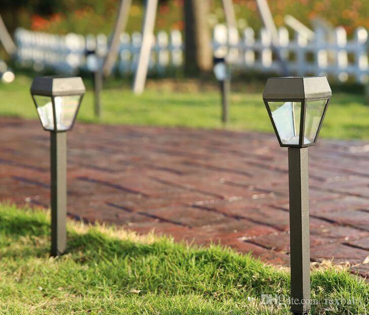 Садовое освещение на солнечных батареях: ненужная роскошь или необходимость?