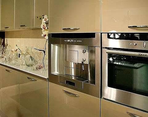 Как расположить холодильник на кухне: основные правила, важные и полезные советы