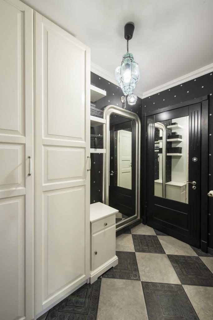 Черный натяжной потолок (39 фото): плюсы цвета в интерьере прихожей и коридора, варианты дизайна комнат, отзывы