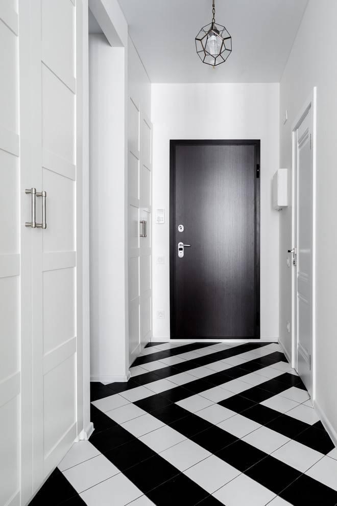 Обои в коридор в квартире (55 фото): серые, черно-белые, каталог, современные панели на стены, в маленький, небольшой