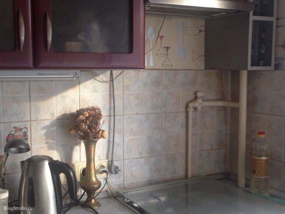 Как спрятать (задекорировать) газовую трубу на кухне?