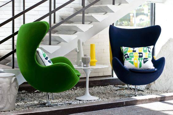 Объединяем разные стулья в интерьере объединяем разные стулья в интерьере