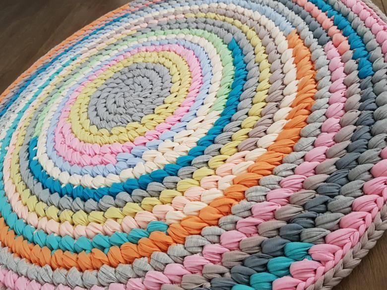 Вязаные коврики крючком со схемами простые и красивые