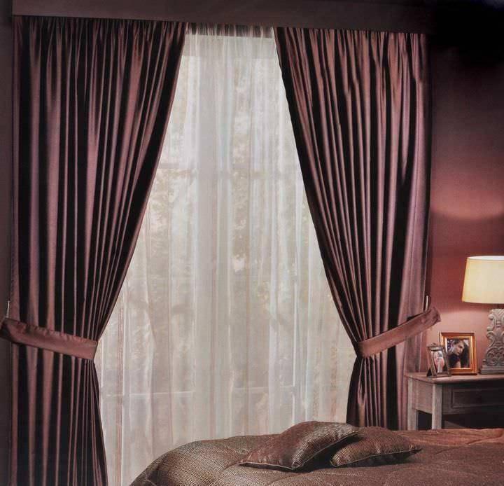Коричневые шторы — выбор материалов и оттенков +50 фото