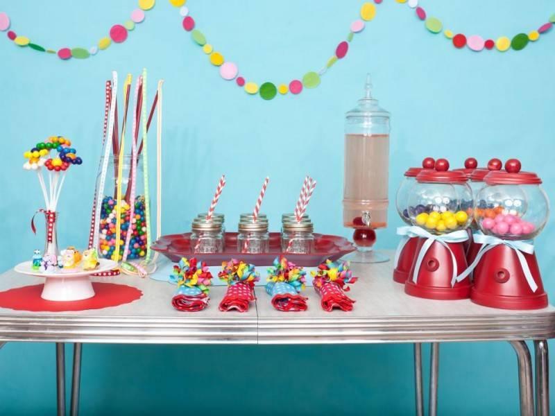 Оформление детского стола на день рождения (24 фото): идеи, как украсить своими руками
