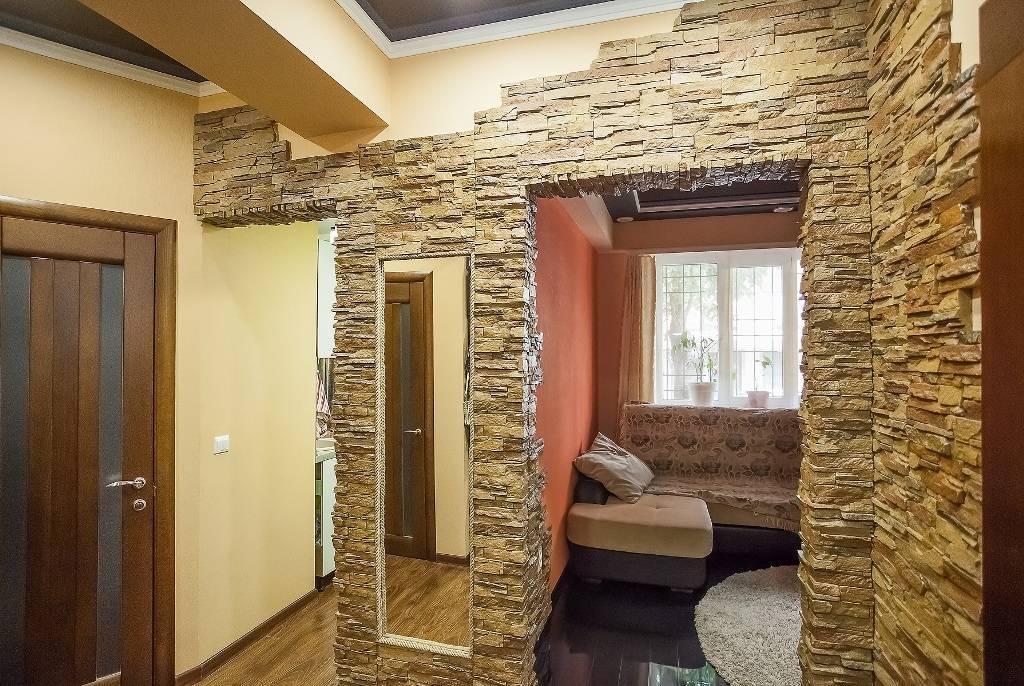 Отделка дверных проемов декоративным камнем: варианты, технология (фото)