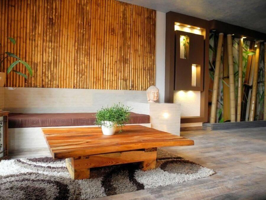 Бамбуковые обои в интерьере прихожей: классика и эксклюзив