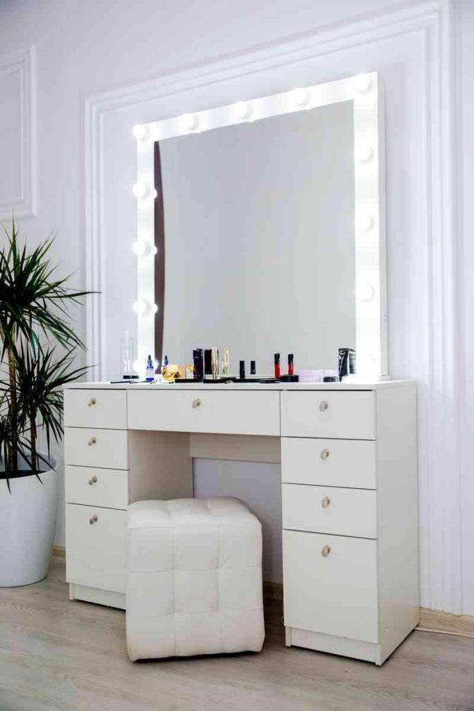 Комод с зеркалом в спальню (39 фото): белый угловой комод-трансформер от ikea