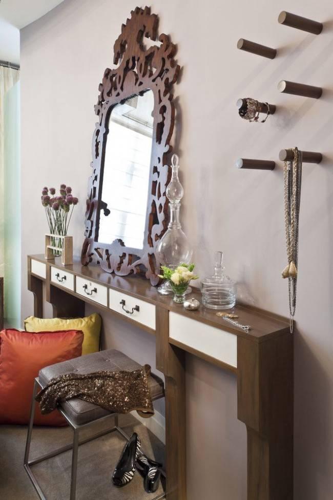 Трюмо в прихожую (43 фото): идеи размещения узкого трюмо и различные варианты дизайна зеркал в интерьере