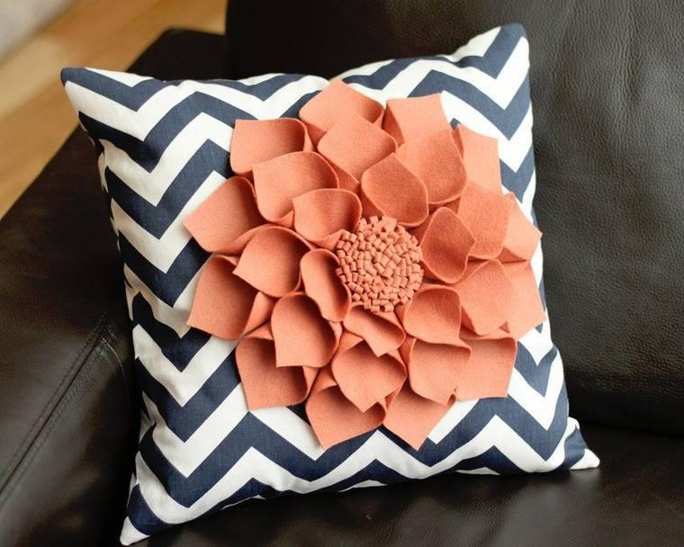 Декоративные подушки своими руками (95 фото) - красивые идеи и выкройки, мастер-класс