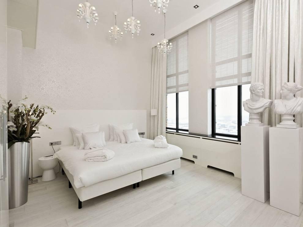 Дизайн спальной комнаты в светлых тонах и современном стиле с фото