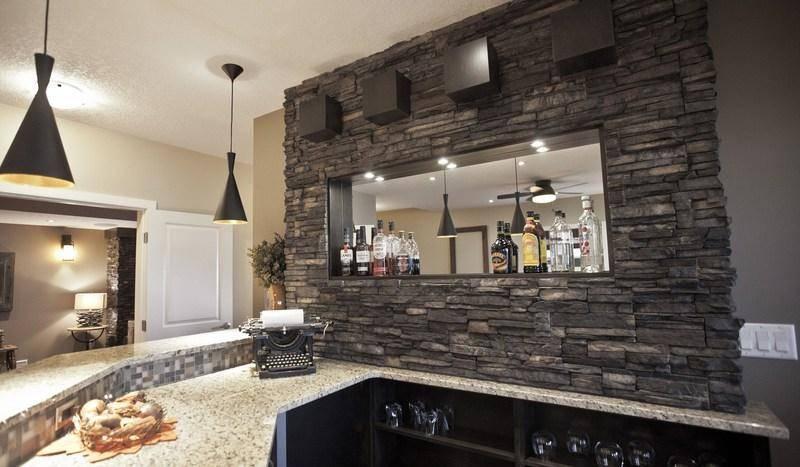 Отделочный камень для стен внутри квартиры: максимально эффективное использование