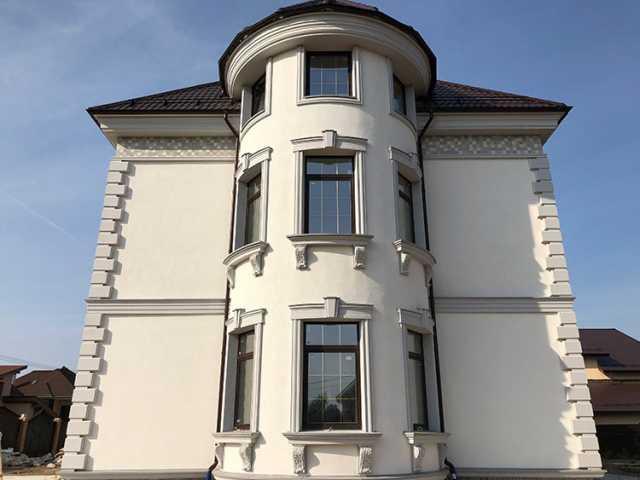 """Фасад дома под старину: способы стилизации и технология отделки фасада панелями """"под камень"""""""