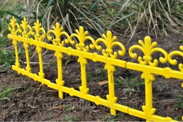 Как сделать декоративный забор для клумбы своими руками? фото и видео инструкция