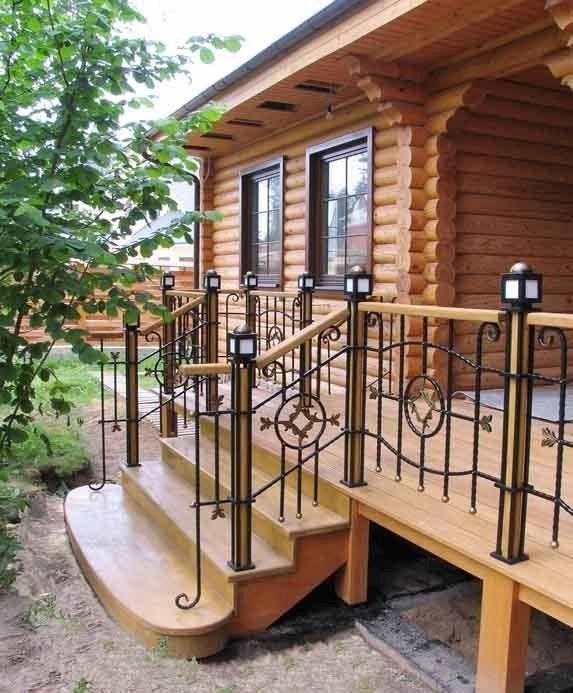 Как изготовить крыльцо для деревянного дома?