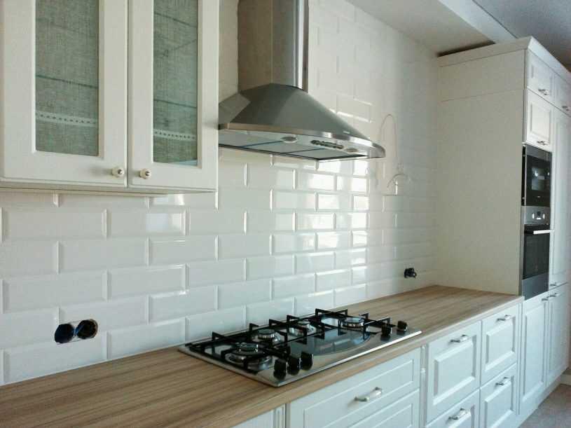 Плитка «кабанчик» на фартук кухни: фото, советы и способы укладки