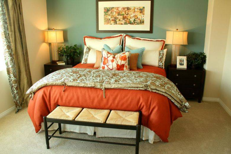 Какой цвет обоев выбрать для спальни: модные оттенки и узоры