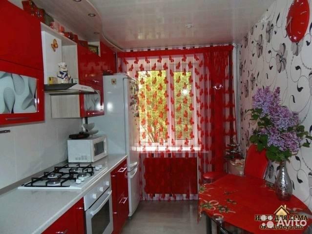 Занавески на кухню короткие: шторы до подоконника на маленькое окно, в гостиную и спальню  - 34 фото