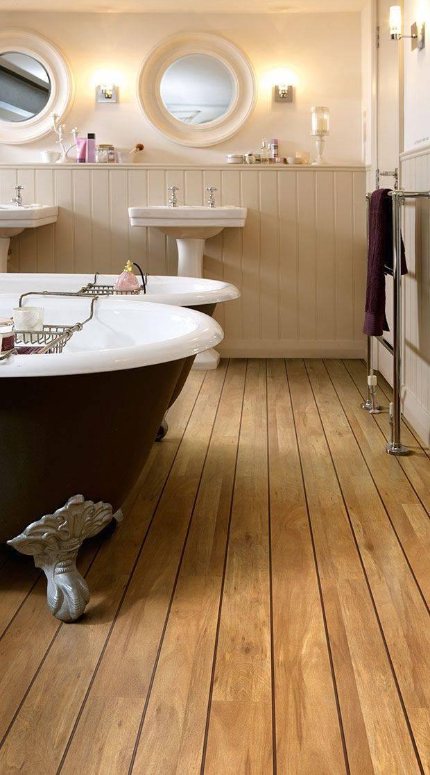 Современный дизайн пола в ванной комнате в деревянном доме