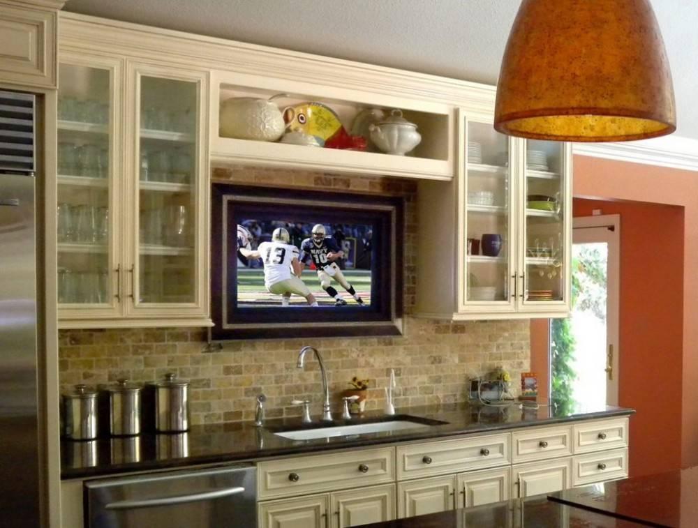 Телевизор для кухни – как правильно выбрать и разместить