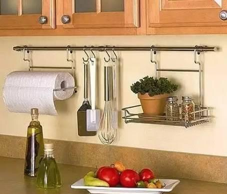 Рейлинги для кухни: фото реальных интерьеров, их преимущества