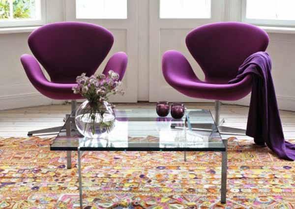 Кресло в гостиную (67 фото): современные стильные небольшие дизайнерские кресла с высокой спинкой в зал и красивые маленькие крутящиеся кресла, другие модели в интерьере