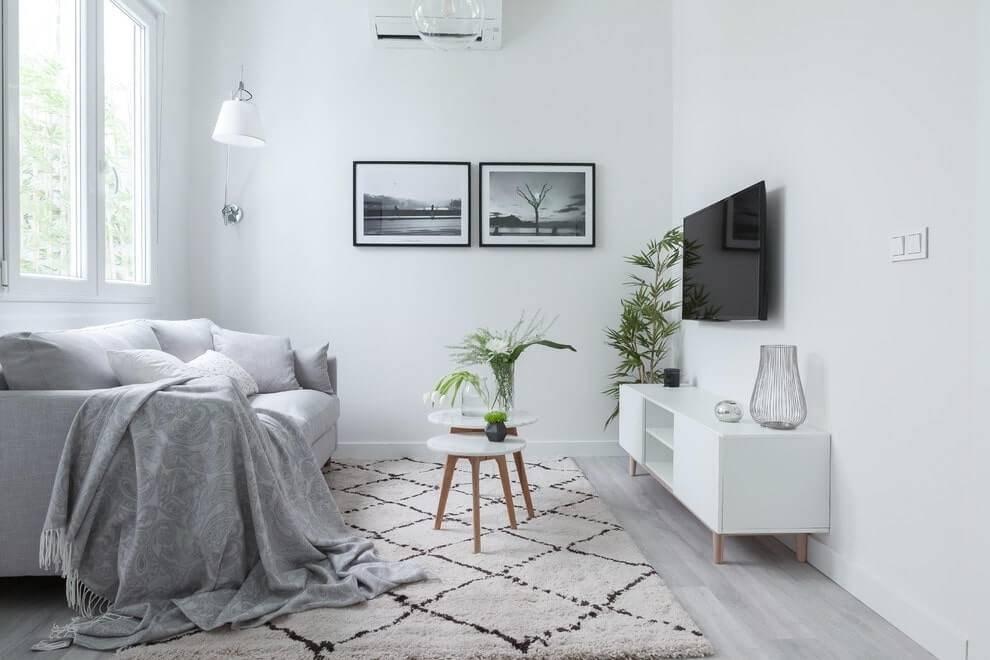 Белые стены в интерьере +75 фото