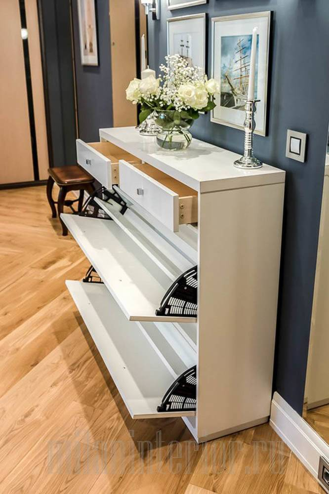 Угловые шкафы в прихожую (64 фото): малогабаритные варианты в маленький коридор, идеи дизайна и необычные новинки, полки и вешалки, модульная мебель