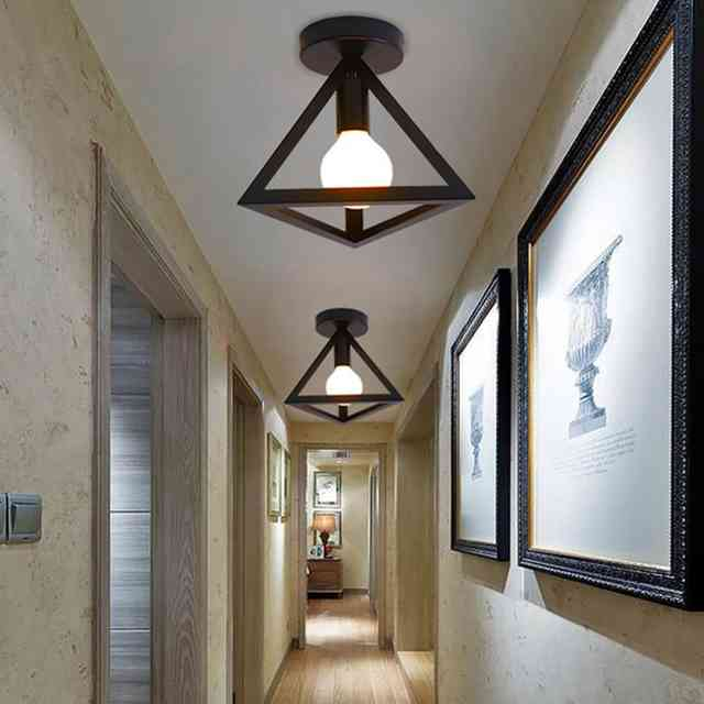 Примеры дизайна настенных светильников для коридора