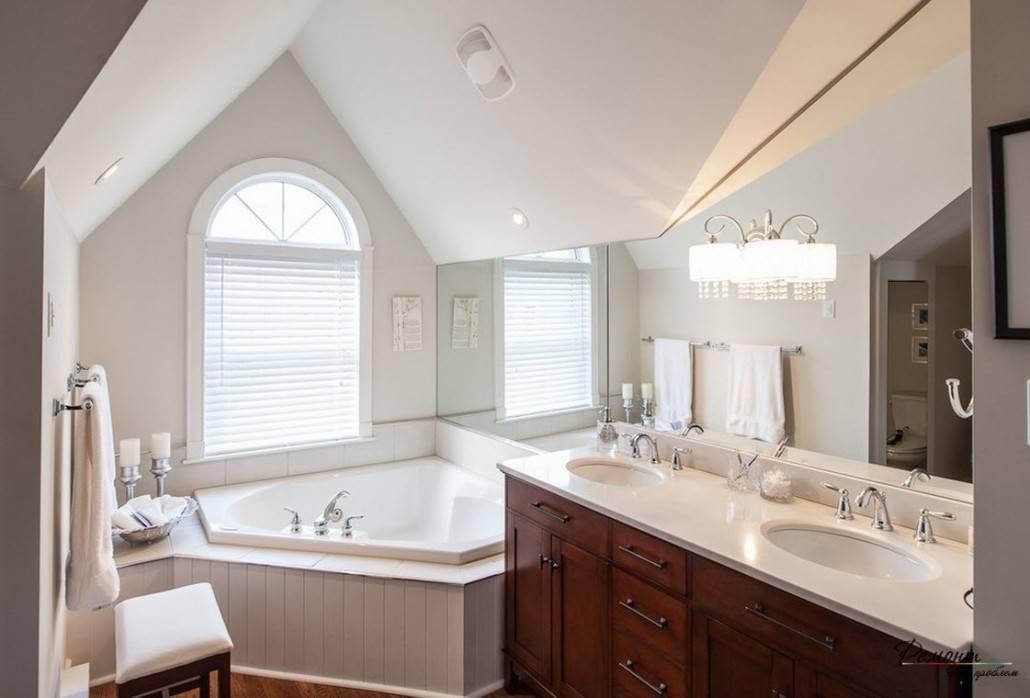 Дизайн ванной в доме (56 фото): оригинальные решения для интерьера в бревенчатом помещении, варианты оформления окон в душевой комнате частного домика из бруса
