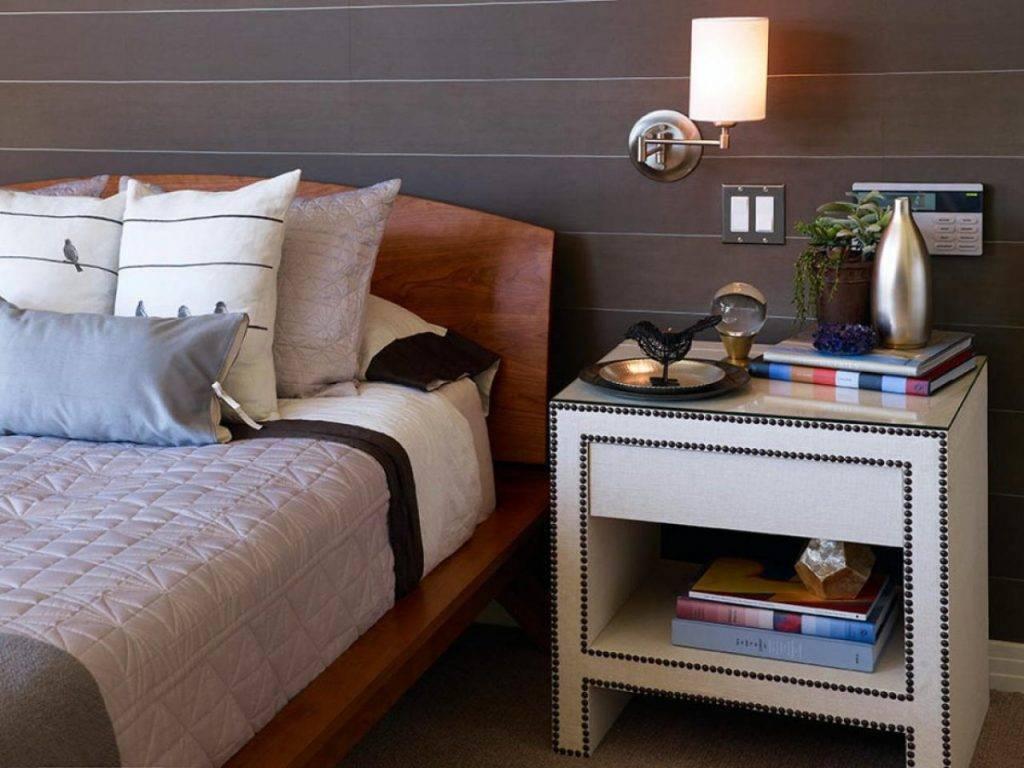 Прикроватные тумбочки для спальни (86 фото) — двуспальная кровать с тумбами, модели белые и черные, подвесные и угловые, как сделать своими руками