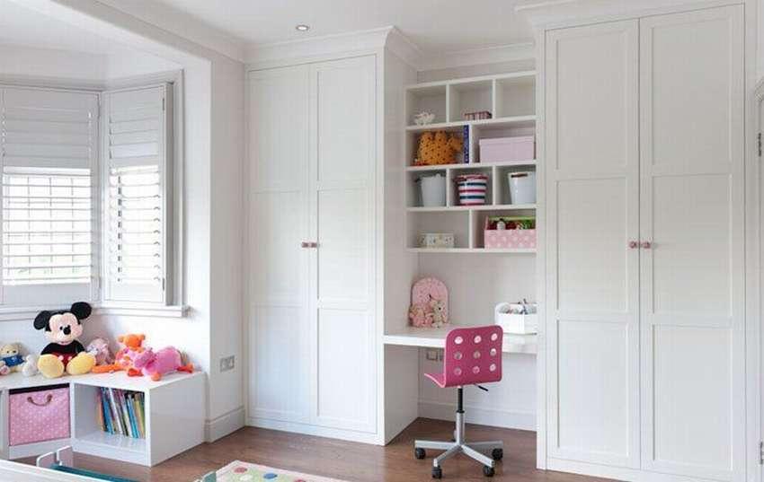 Обзор красивых распашных шкафов, нюансы выбора
