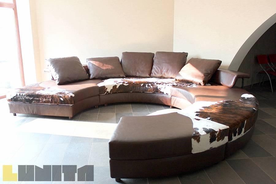 Интересные примеры красивых и мягких диванов для гостиной