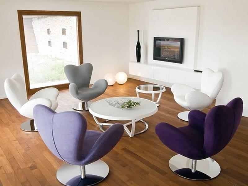 Варианты выбора стульев в интерьер гостиных комнат