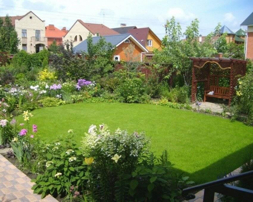 Ландшафтный дизайн загородного дома (94 фото): обустройство участка возле дома