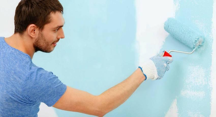 Как красить обои под покраску своими руками без разводов (видео)