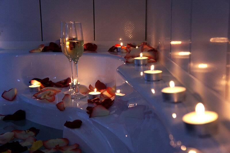 Какой романтик можно устроить любимому парню, мужу, девушке, жене: идеи