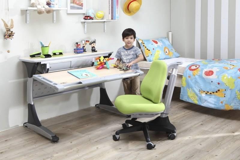 Компьютерные стулья для детей (36 фото): детский комплекс стол, кровать и шкаф для девочки