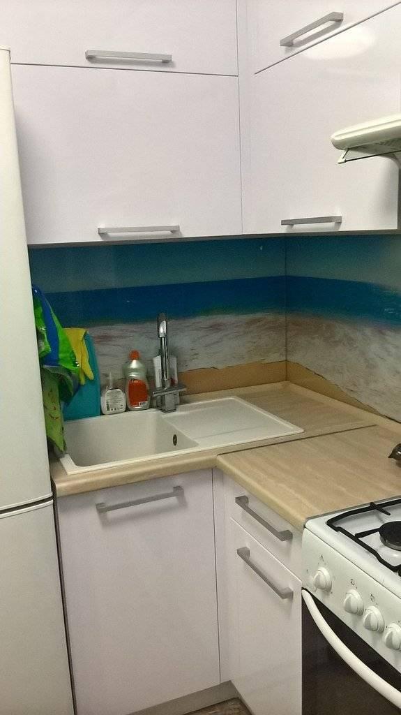 Кухня в хрущевке с газовой колонкой: варианты размещения, 37 фото