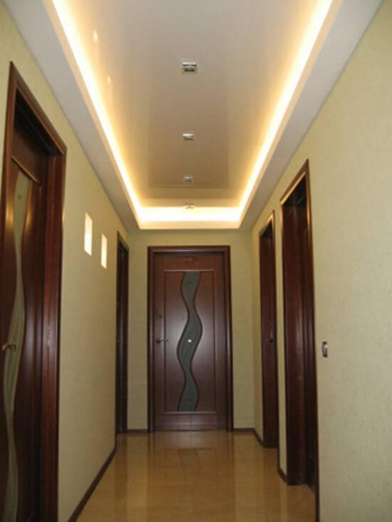Потолок из гипсокартона в коридоре: плюсы, минусы и обзор разновидностей