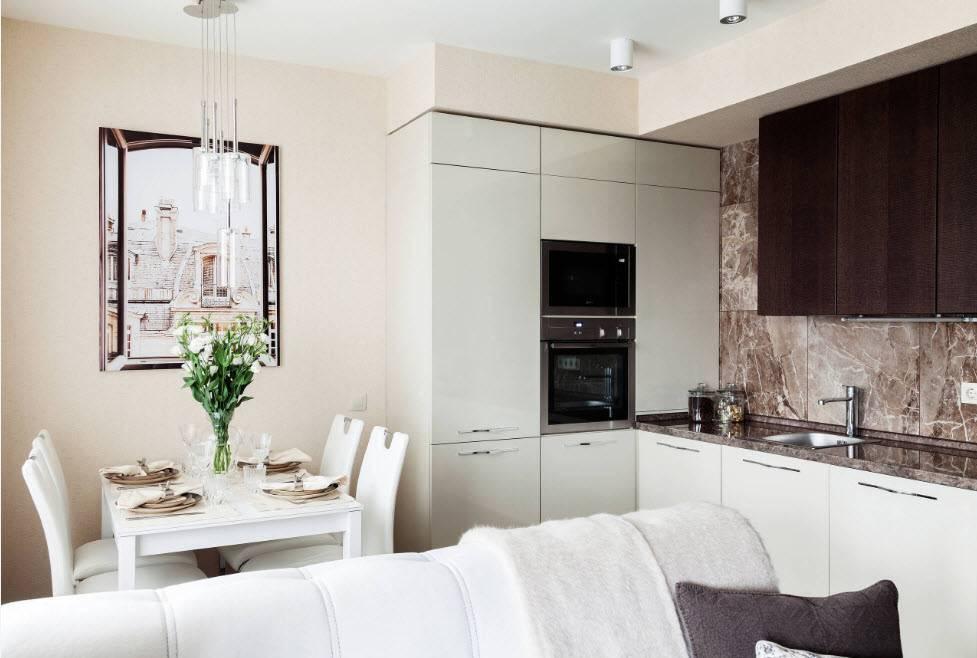 Кухни-гостиные с диваном (72 фото): дизайн помещений 13-14 и 16-20 квадратных метров, особенности планировки и зонирования